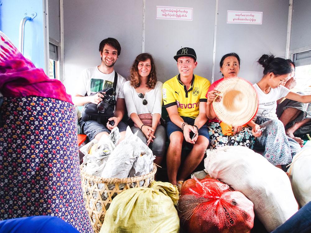 Mit dem Zug in Myanmar reisen