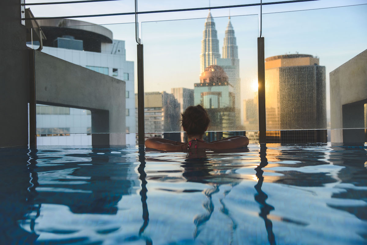 Petronas-Towers-Swimming-Pool-2