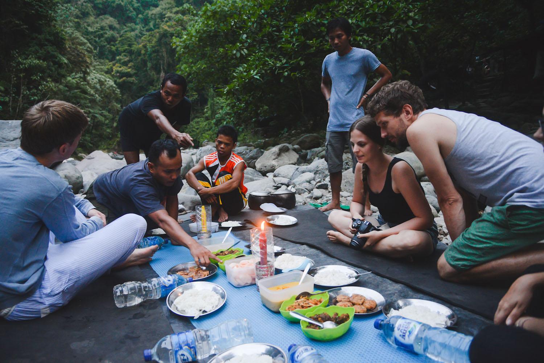 Bukit-Lawang-Tschungel-Essen
