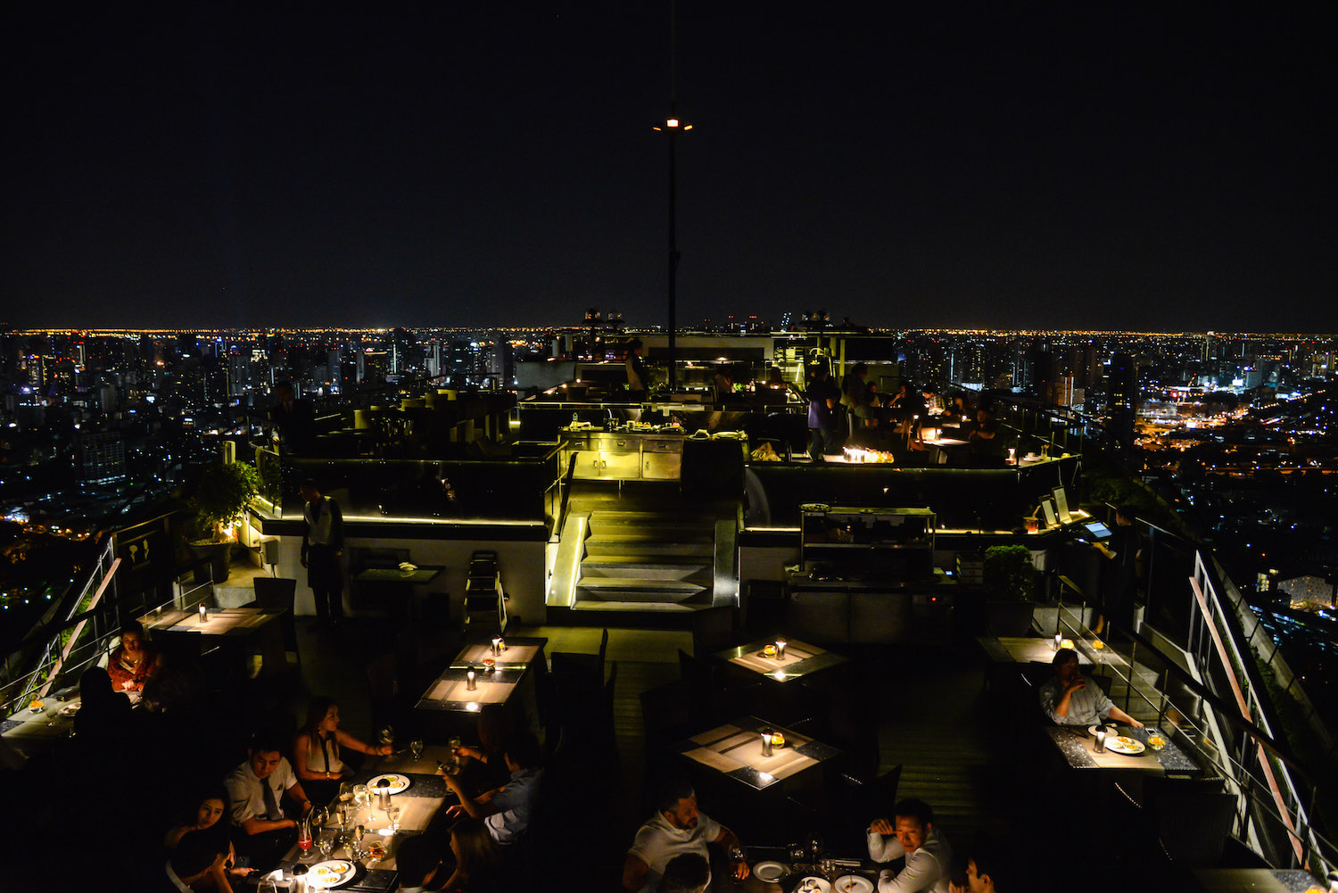 Vertigo-Moon-Bar-Bangkok-3