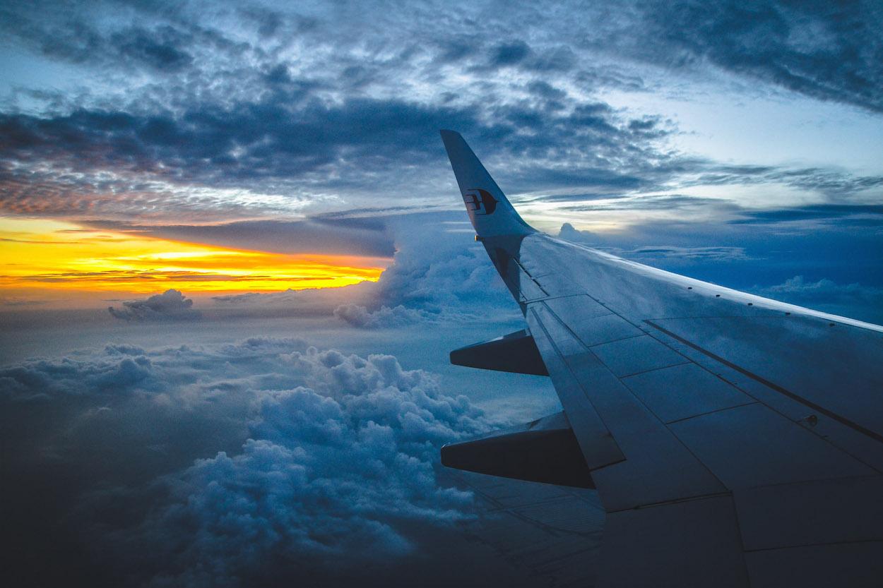 flugzeug-sonnenuntergang