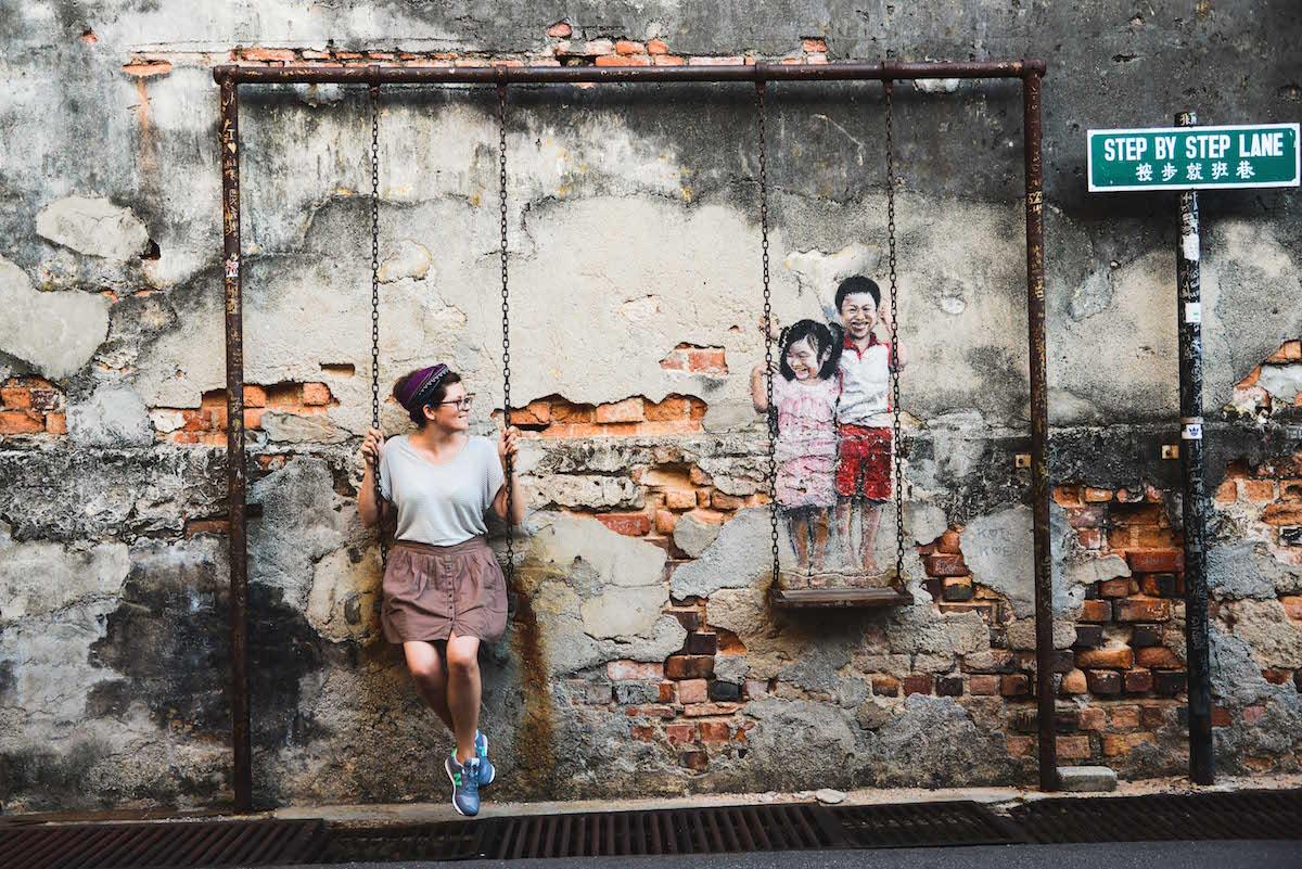 Penang-streetart-schaukel