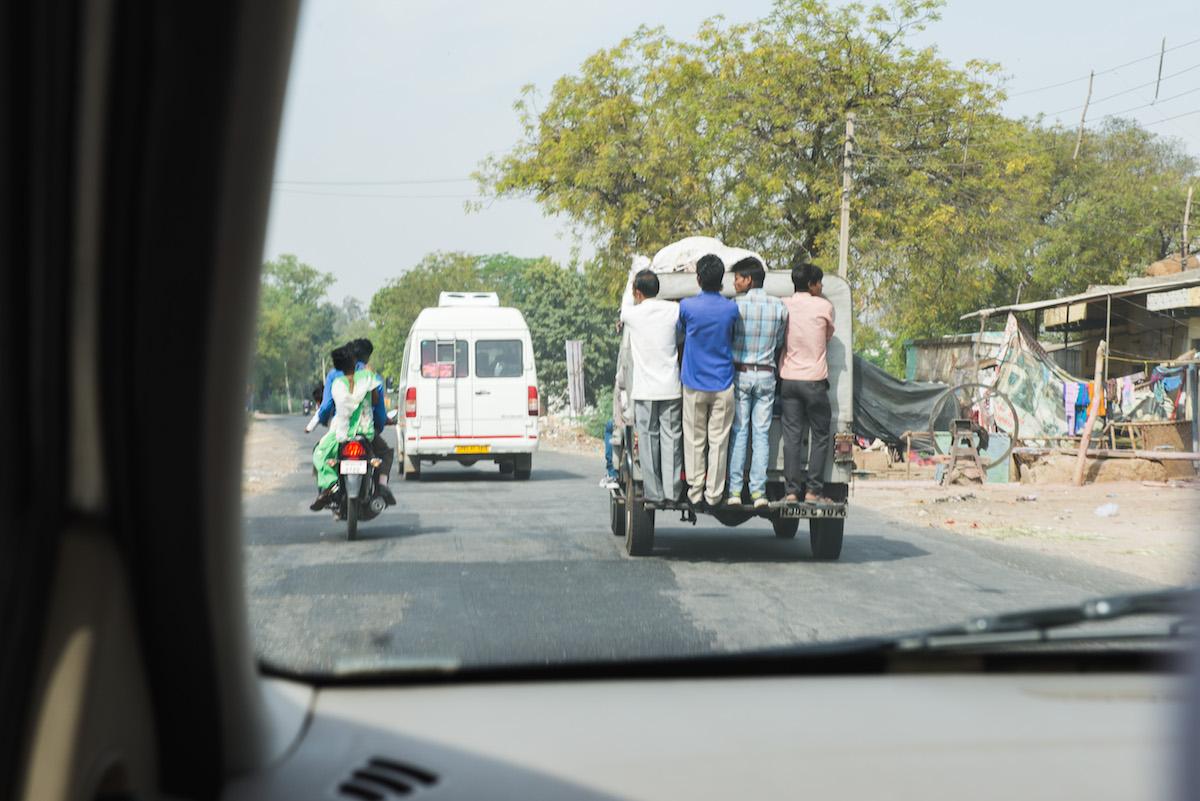 India-crowded-vehicle