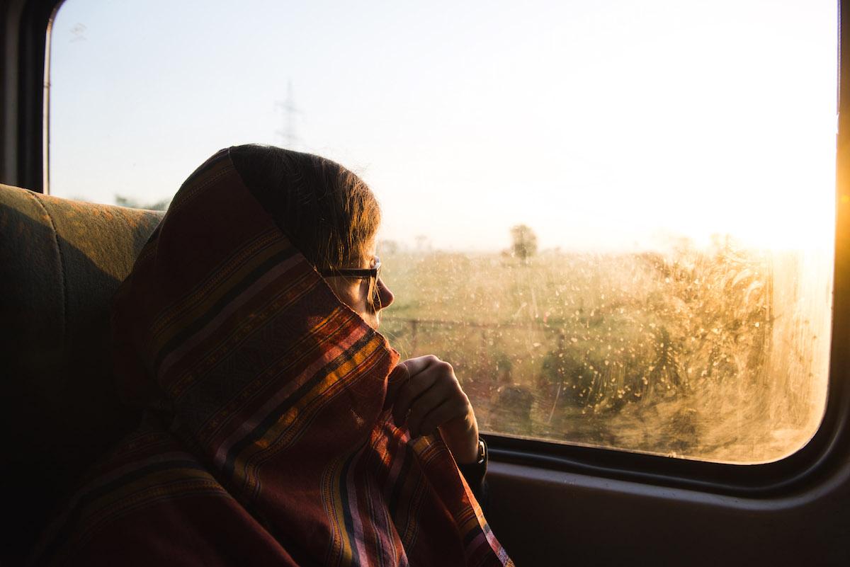 Zug-Delhi-Agra