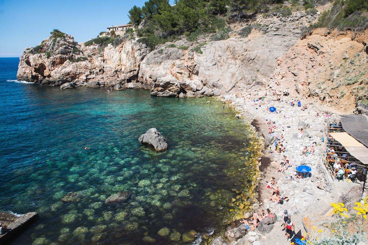 Deia-Strand-Schwimmen