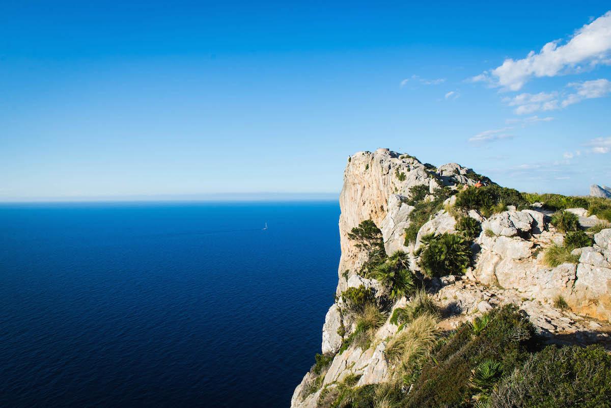 cliff-sea-Mallorca