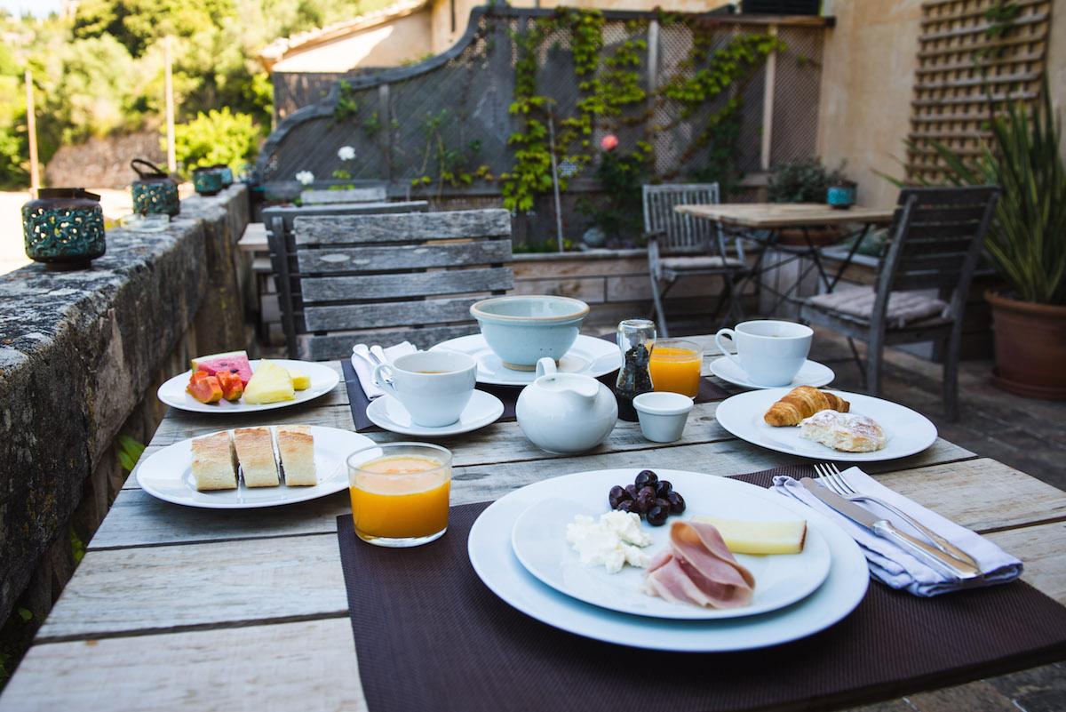 Breakfast-in-Valldemossa
