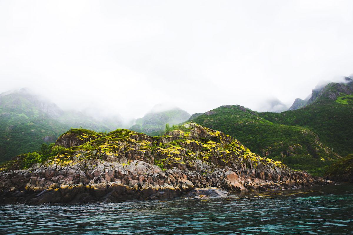 Norwegen-Landschaft-Nebel-Hurtigruten