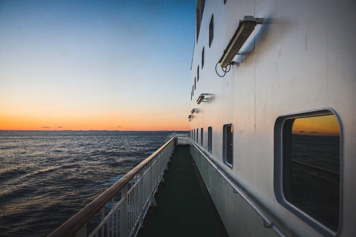 Sonnenuntergang-Hurtigruten