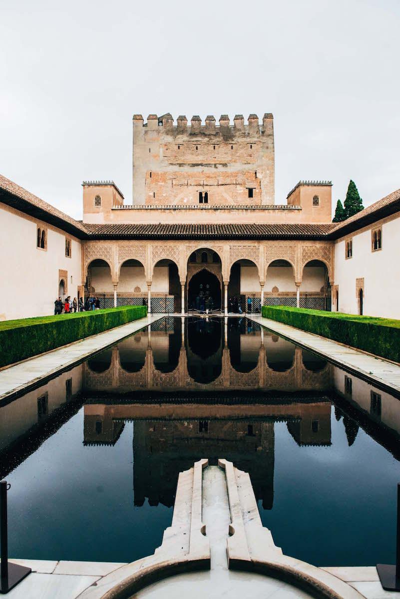 alhambra-bei-regen
