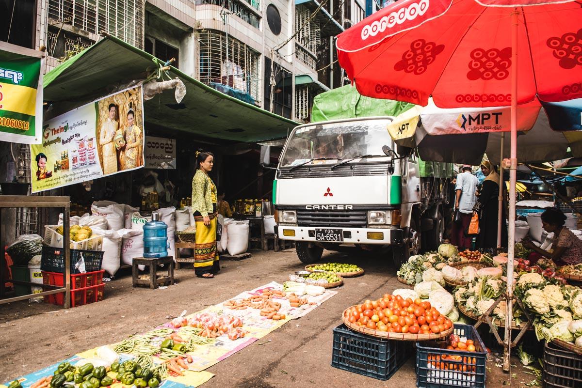 Autenthischer Markt Yangon