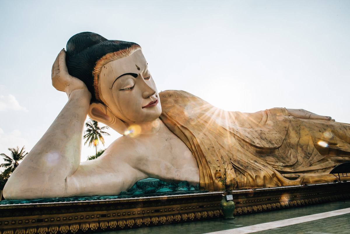 Bago liegender Buddha