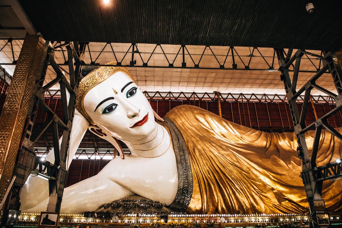 Liegender Buddha Yangon