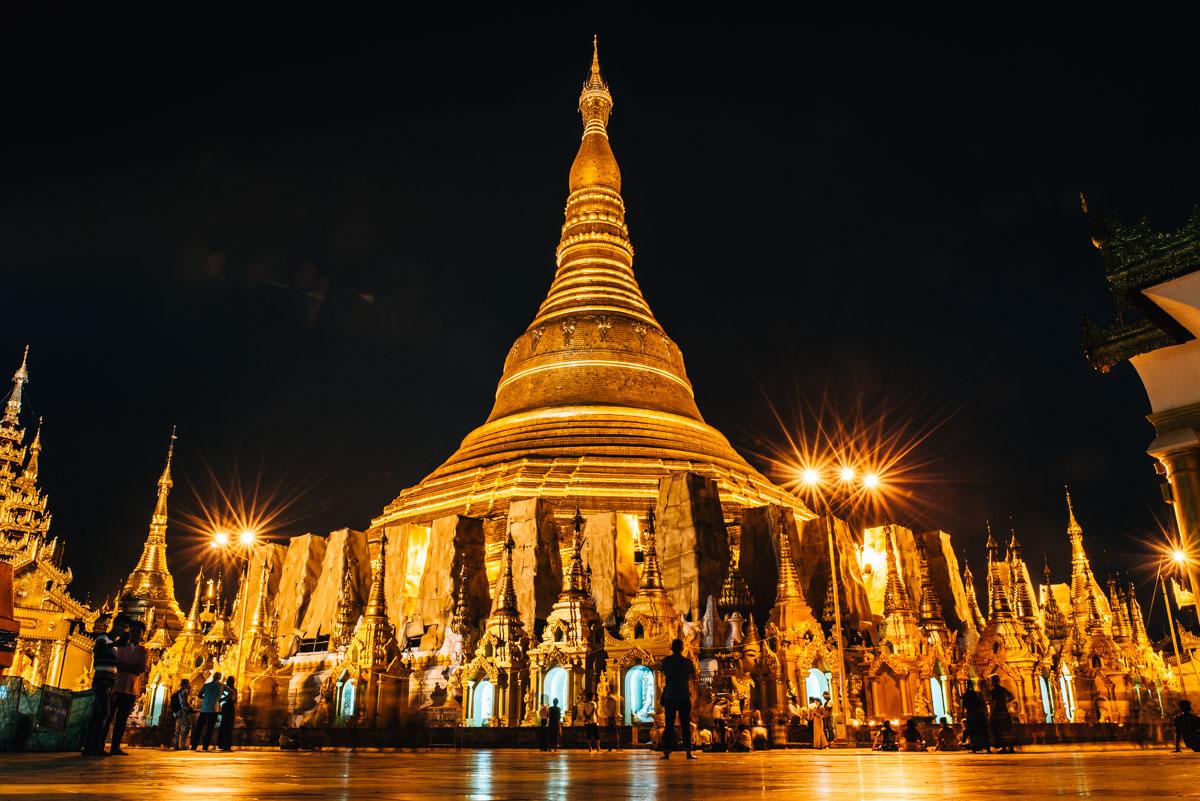 Shwedagon Pagode Sonnenuntergang