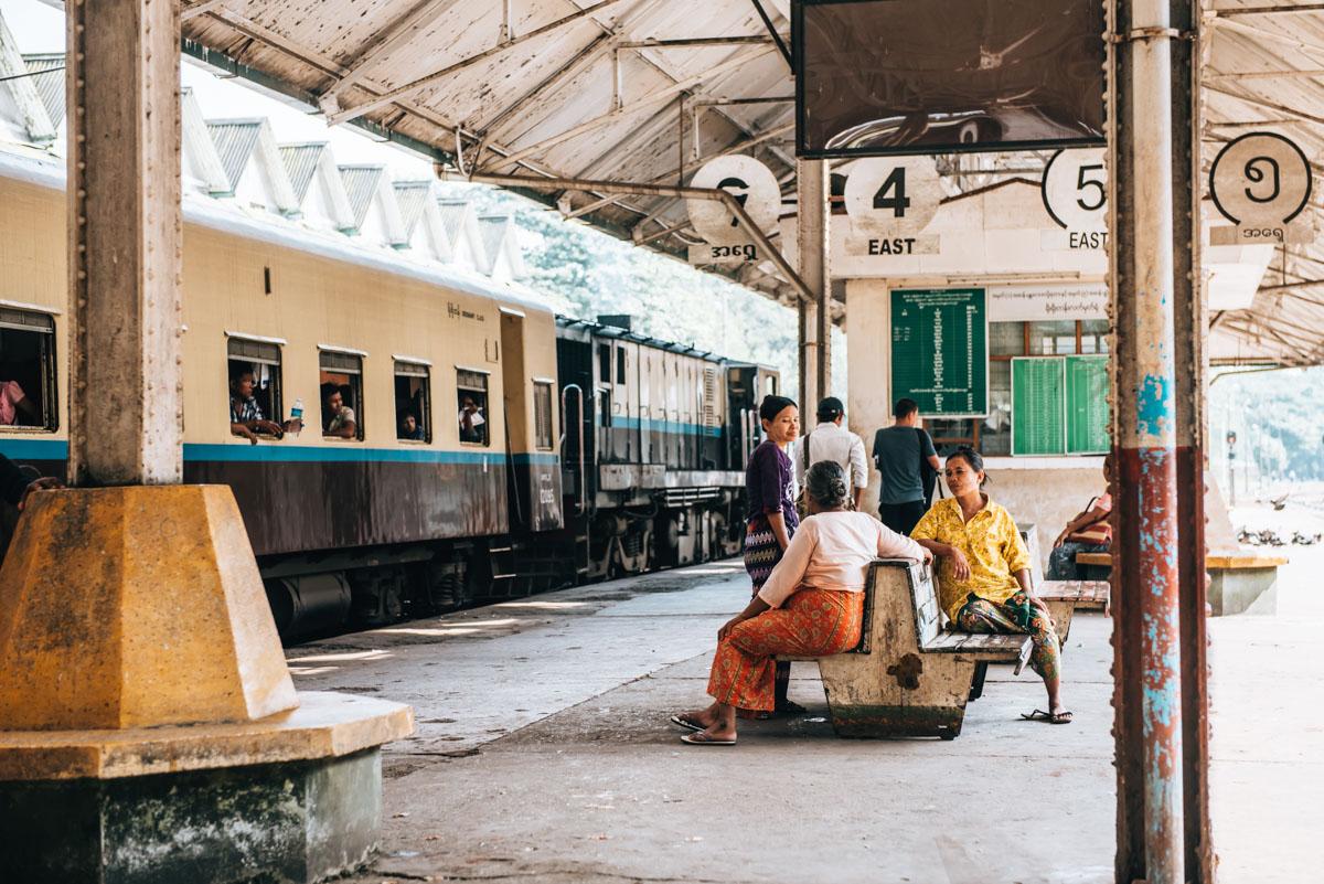 Zugfahren Myanmar
