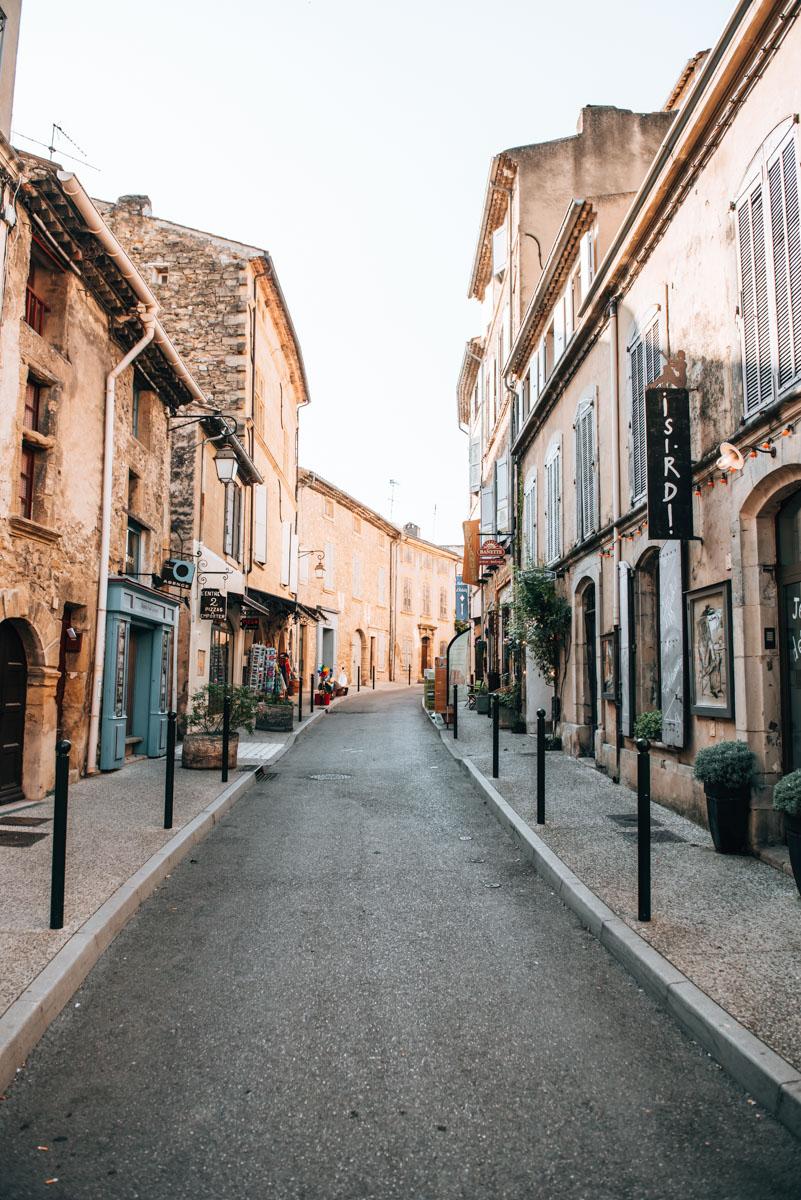 Lourmarin Travel Tips